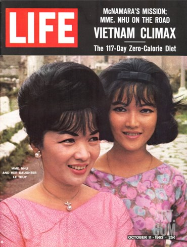 Vietnam's Madame Nhu and Daughter, October 11, 1963 Stretched Canvas Print